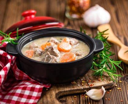 cuisine corse veau aux olives sauté de veau aux olives corse recette de sauté de