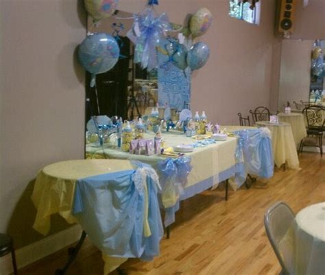 Decorating Ideas For Baby Shower Gift Table by Living Room Decorating Ideas Baby Shower Cake Table