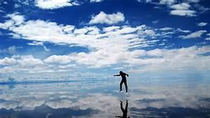 Salar de Uyuni, The World's Largest Natural Mirror