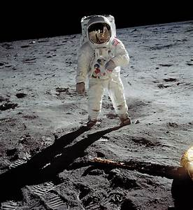 A Man on the Moon | 100 Photographs | The Most Influential ...