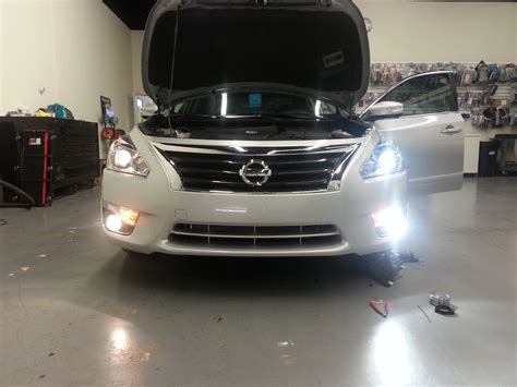 which bulbs fit the 2015 nissan altima sv better