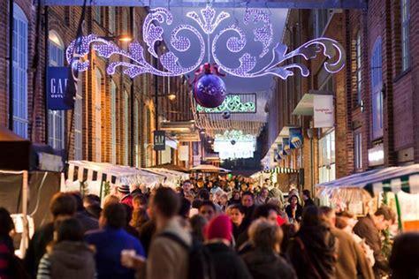 gloucester market christmas gloucester quays market 2018 cotswold trekker visit cotswolds