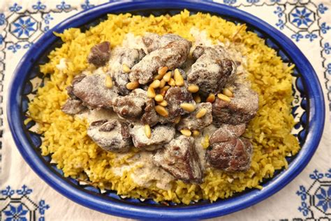cuisine arabe 4 bint rhoda 39 s kitchen in yogurt sauce or mansaf for