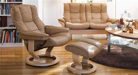 sofas and loveseats circle furniture buckingham stressless highback sofa