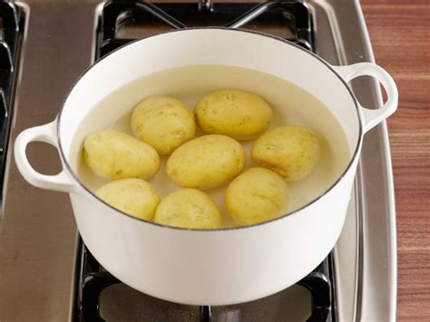 how for potatoes to boil how to boil potatoes food network easy comfort food recipes food network