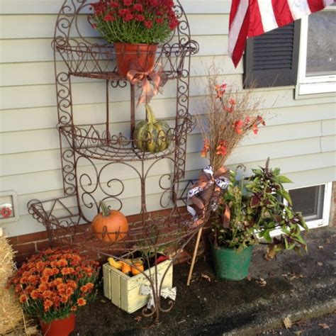 Herbstdeko Fenster Draussen by Diy Welcome The Fall With Warm And Cozy Patio Decorating