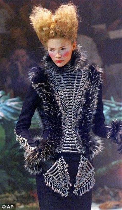 life  fashion alexander mcqueen  foul mouthed