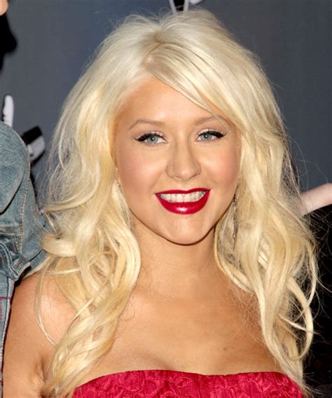 christina aguilera long wavy light golden blonde hairstyle