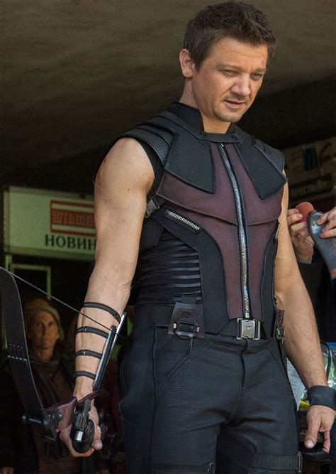 The Definitive Hawkeye Avengers Costume Thread