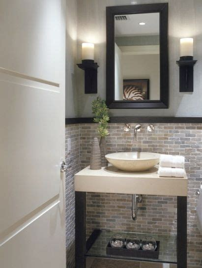 Half Bathroom Ideas For Small Bathrooms by 25 Best Ideas About Small Half Bathrooms On
