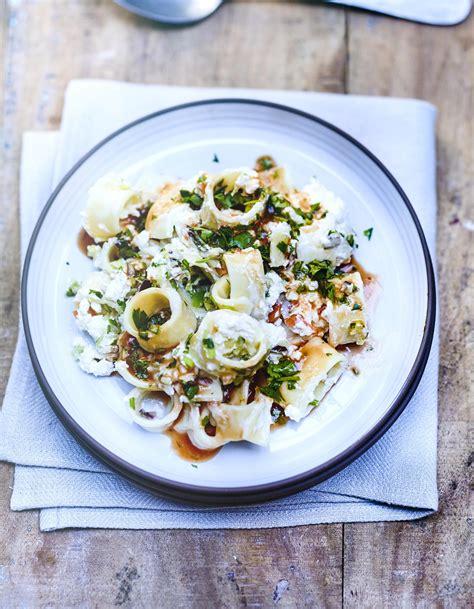 pates aux basilic frais pates au basilic frais 28 images p 226 tes au basilic ail et chorizo recette p 226 tes au