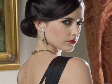 Eva Green As Vesper Lynd The Perfect Femme Fatale My Style Pinboard Pinterest