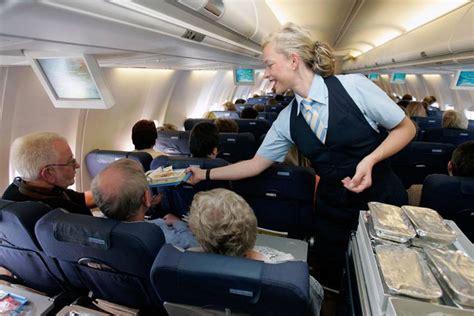 tricks um im flugzeug einen besseren service zu