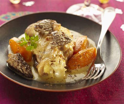 cuisiner poularde recette simple et gourmande de la poularde pochée aux morilles