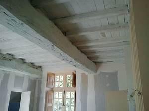 Peinture poutre bois plafond amazing beau plafond poutres for Amazing peindre poutre en bois 10 terradecor