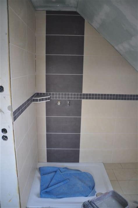 bad offene dusche und badewanne fliesen im bad fliesengestaltung für dusche badewanne waschtisch hausbau