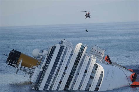 LolliTop Costa Concordia Cruise Ship Runs Aground Off ...