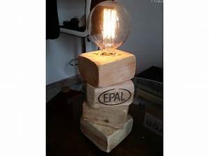 Lampe En Palette : id e de meubles en palette ~ Voncanada.com Idées de Décoration