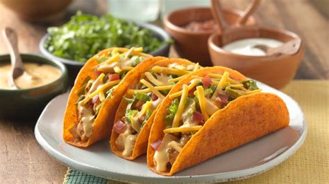 cheesy chicken ten minute tacos recipe pillsburycom