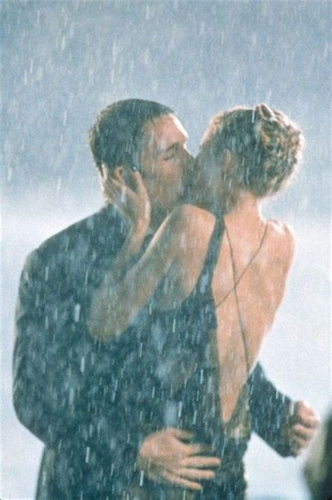 romantic couples photography  rain great inspire
