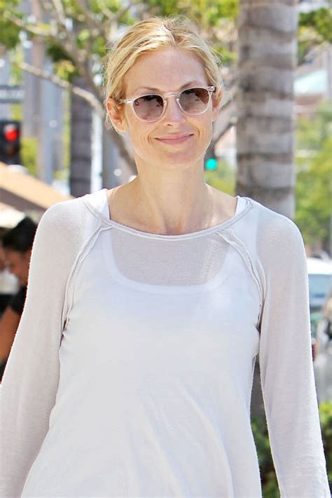 actress surname kelly kelly rutherford s divorce to daniel giersch has been made
