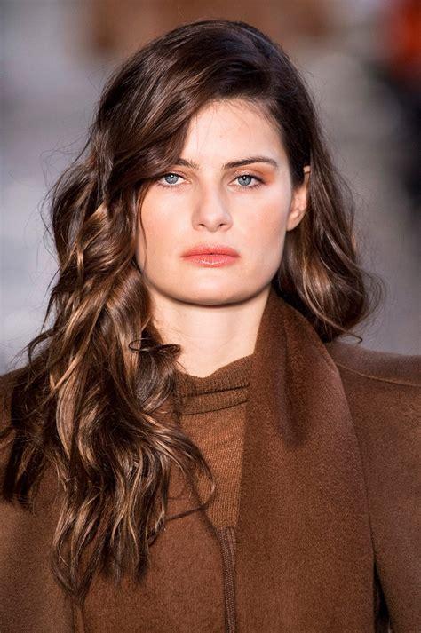 cheveux brun clair coloration brune quel brun pour mes cheveux