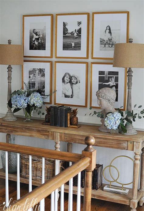 Decorating Ideas For Upstairs Landing by 25 Best Ideas About Upstairs Hallway On
