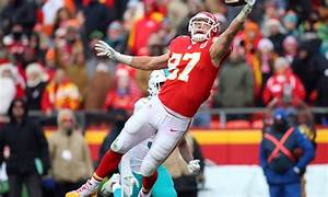 Travis Kelce Derrick Johnson Inactive Vs Broncos