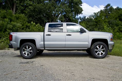 leveling kitstock wheelsoversized tires pics chevy press release 59 2014 chevy gmc 1500 leveling kits