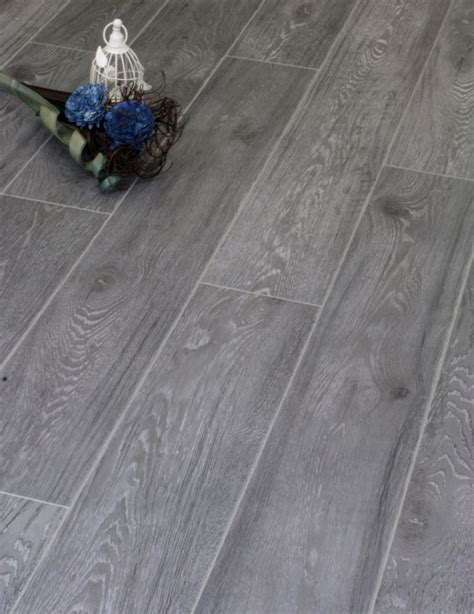 kronoswiss laminate flooring distributors kronoswiss grand umber oak cr4197 laminate flooring