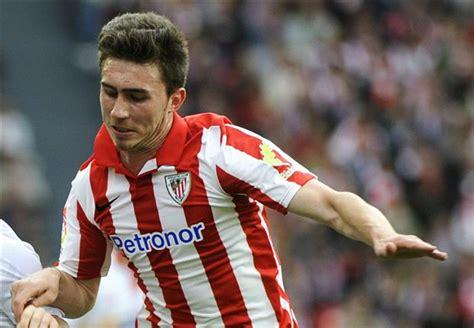 Mercado da bola: Zagueiro que interessa ao Barcelona entra ...