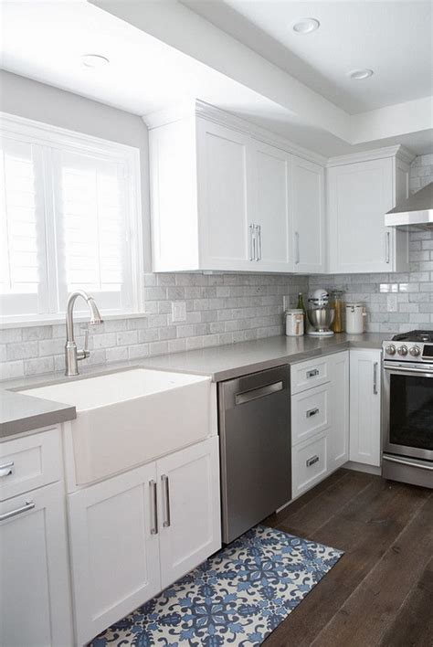 backsplash with white cabinets and grey countertop best 25 quartz kitchen countertops ideas on