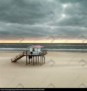 Haus Am Strand Kaufen : lifeguard haus am strand von sylt lizenzfreies foto 12531996 bildagentur panthermedia ~ Orissabook.com Haus und Dekorationen