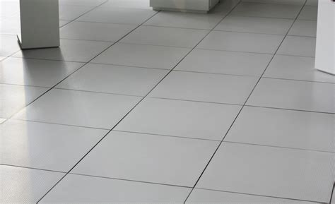 Fliesenlack Weiß Matt by Bodenfliesen Wei 223 187 M 246 Glichkeiten Und Preise