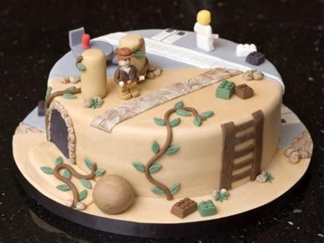 bolo nerd detectado metade lego indiana jones metade lego