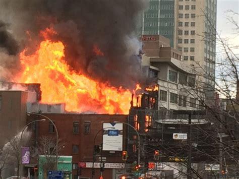 incendie majeur dans un bâtiment patrimonial du quartier incendie majeur dans un bâtiment du quartier chinois à