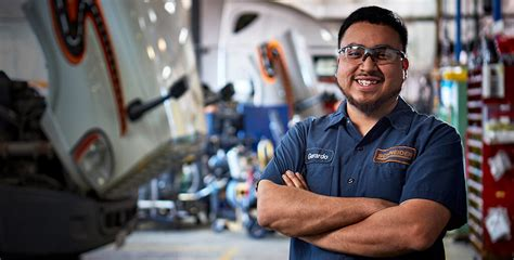Careers In Diesel Mechanics by Schneider Cdl Truck Driving Diesel Mechanic