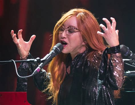 tori amos delivers  moving  beautiful show  friday