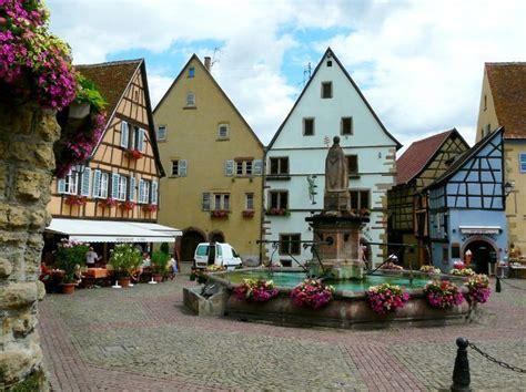 eguisheim photo eric wanner sur villages d alsace la cit 233 avec ses pittoresques ruelles