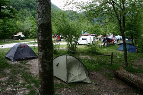 piazzole  aree  campeggiare  tenda