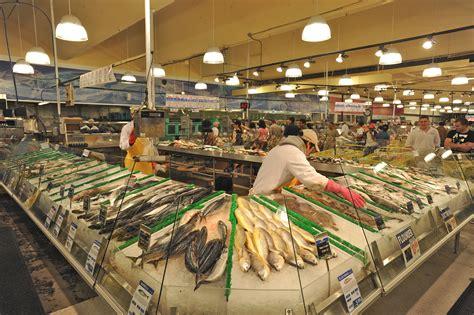 File:Buford Highway Farmer's Market in Doraville, Georgia ...