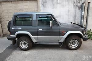 The Street Peep  1990 Mitsubishi Pajero