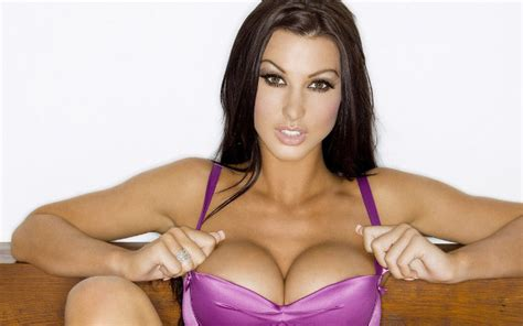arsenal  liverpool wag alice goodwin teases