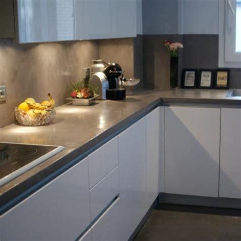 plan de travail cuisine gris ophrey com cuisine blanche plan de travail gris