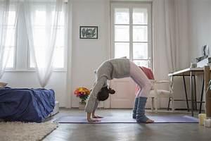 Yoga At Home : starting a yoga practice at home ~ Orissabook.com Haus und Dekorationen