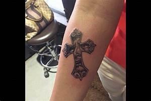 Croix Tatouage Homme : tatouage croix tout ce qu 39 il faut savoir tattoome le meilleur du tatouage ~ Dallasstarsshop.com Idées de Décoration
