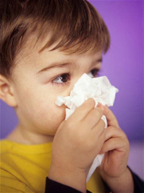 ways  soothe  sick toddler   expect