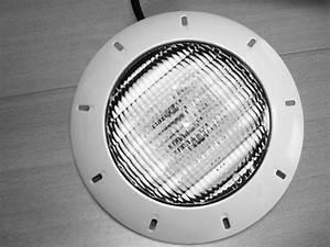 Projecteur De Piscine : projecteur led blanc groupe abris et piscines ~ Premium-room.com Idées de Décoration