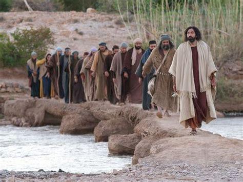 freebibleimages jesus chooses twelve disciples