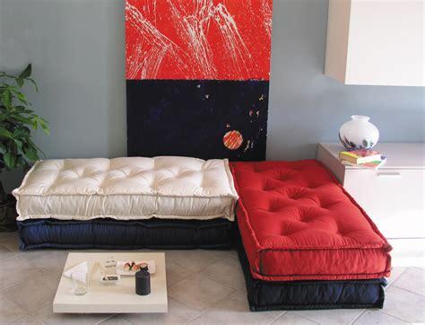 Pillows & Poufs... Nel